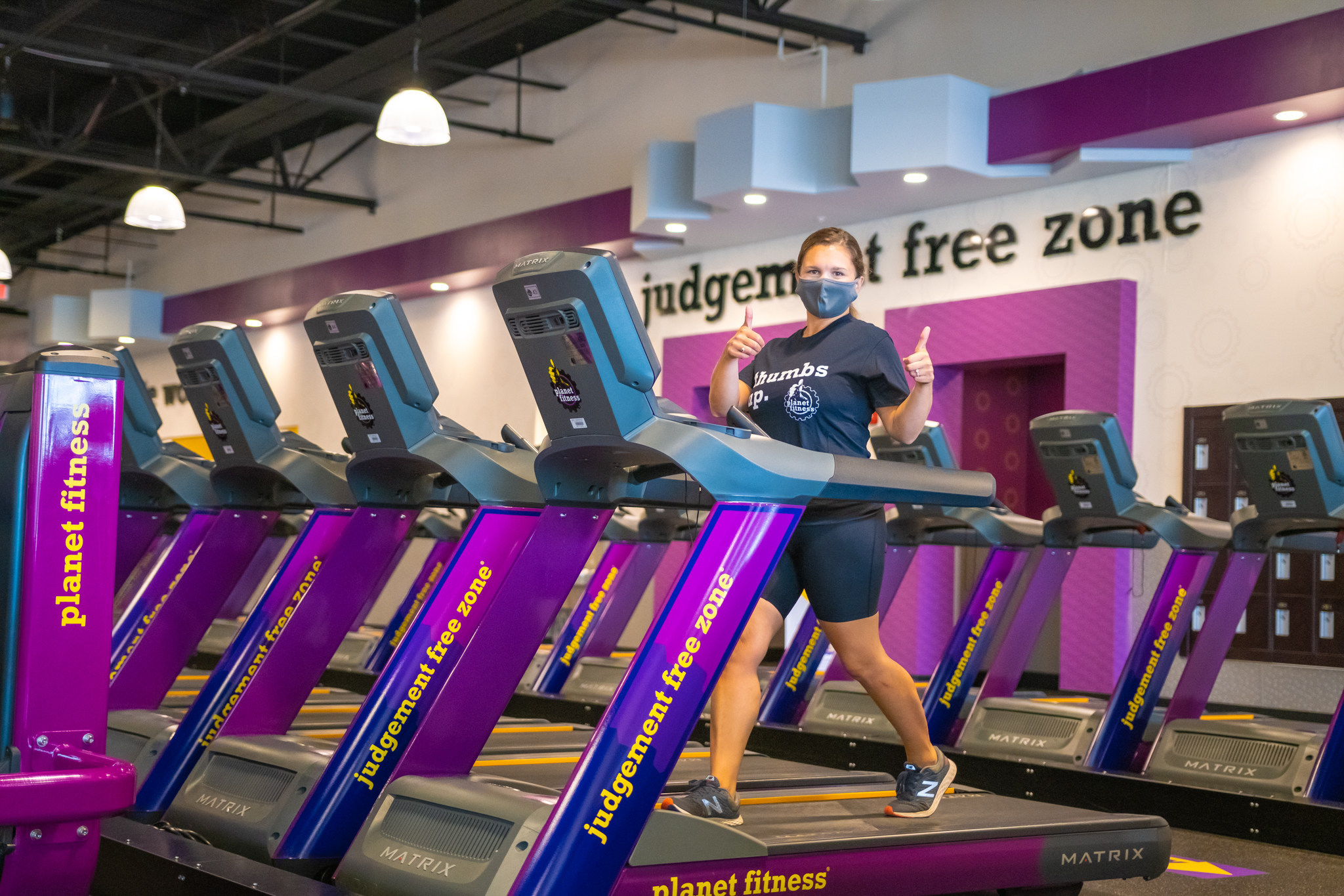 Seasonal Member Services Representative | Planet Fitness